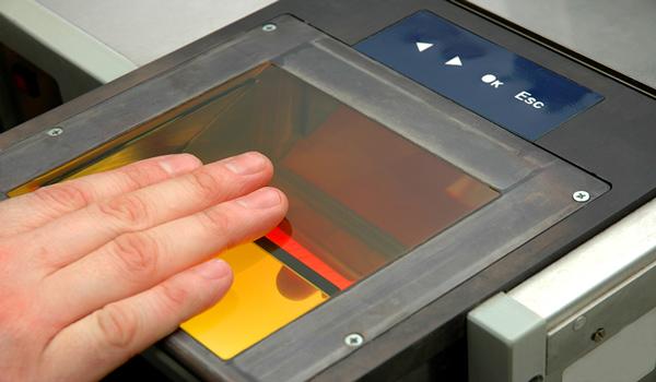 İngiltere Vizesi Randevularında Biyometrik Bilgilerin Verilmesi